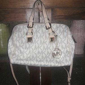 Michael kors speedy style purse
